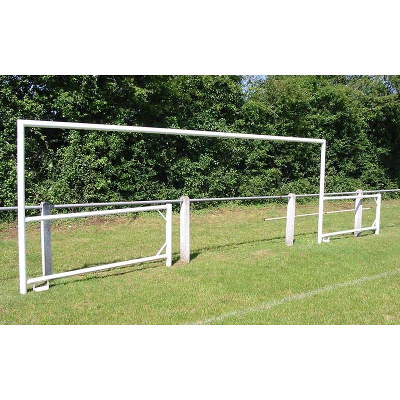 BUT DE FOOTBALL REPLIABLE SUR MAIN COURANTE 7 JOUEURS