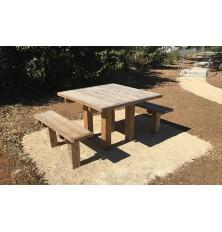 TABLE PIQUE NIQUE LOU